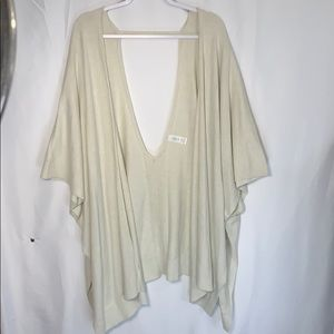 Lululemon poncho/cardigan (A0034)